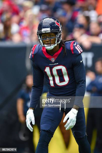 Houston Texans wide receiver DeAndre Hopkins gets set for a play during the football game between the Cleveland Browns and the Houston Texans on...