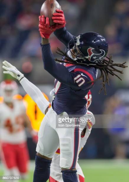 Houston Texans wide receiver DeAndre Hopkins makes a catch during the football game between the Kansas City Chiefs and Houston Texans on October 8...