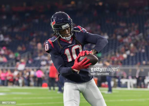 Houston Texans wide receiver DeAndre Hopkins warms up during the football game between the Kansas City Chiefs and Houston Texans on October 8 2017 at...