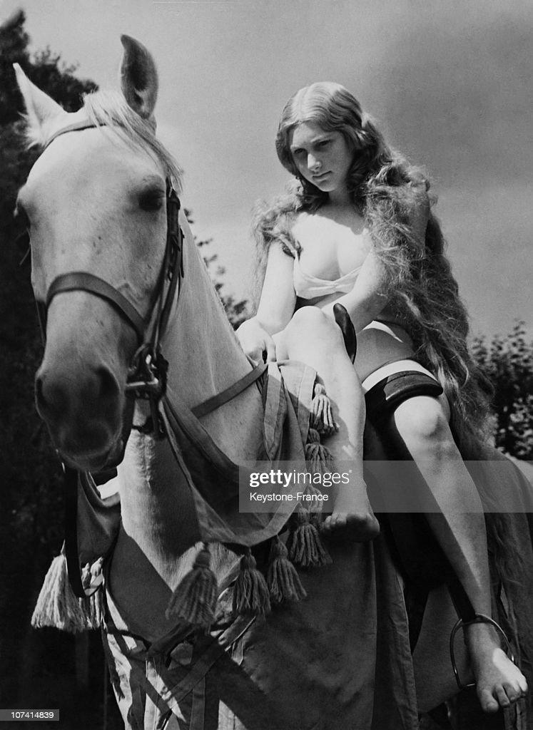 How Much Should Lady Godiva Wear In EnglandUnited Kingdom
