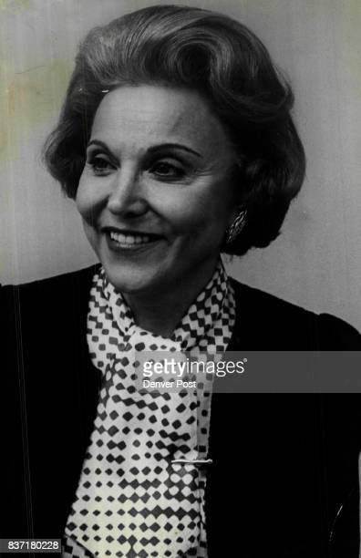 How Should Toilet Paper Roll Ann Landers Answers Credit Denver Post