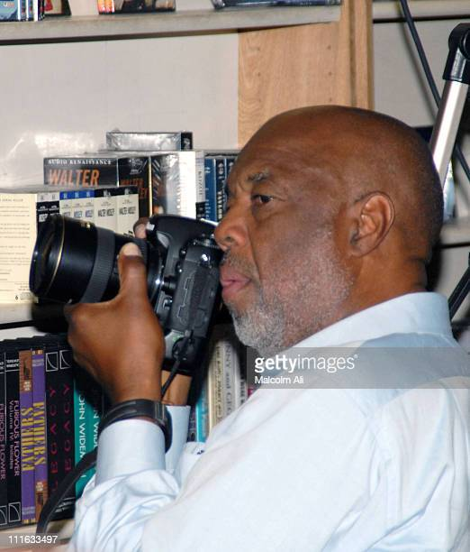 Howard Bingham during Kathleen Cleaver Booksigning 'Target Zero' A Life in Writing by Eldridge Cleaver October 29 2006 at ESO Won Bookstore in Los...
