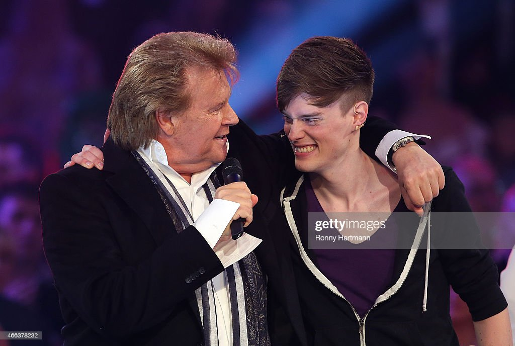 Howard Carpendale (L) and his son Cass Carpendale during the 'Die ...