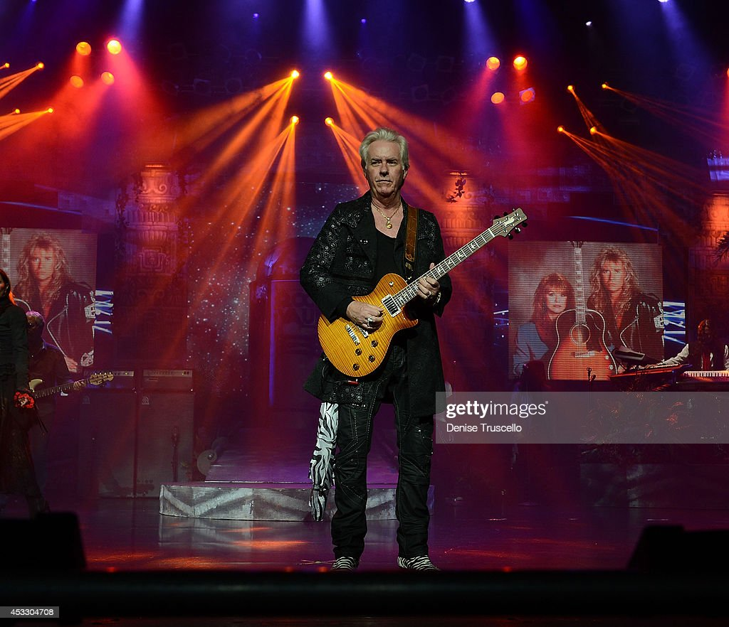 <a gi-track='captionPersonalityLinkClicked' href=/galleries/search?phrase=Howard+Leese&family=editorial&specificpeople=1954054 ng-click='$event.stopPropagation()'>Howard Leese</a> of Raiding the Rock Vault performs at the Westgate Las Vegas Resort and Casino on August 6, 2014 in Las Vegas, Nevada.