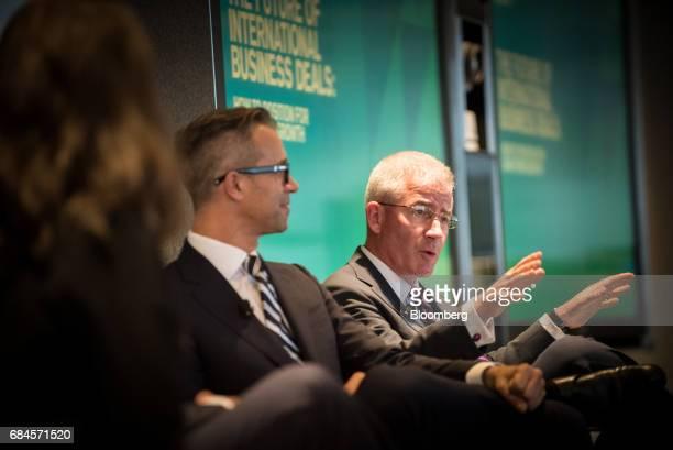 Howard Global Insurance  : Rapidly Evolving Photos et images de collection | Getty Images