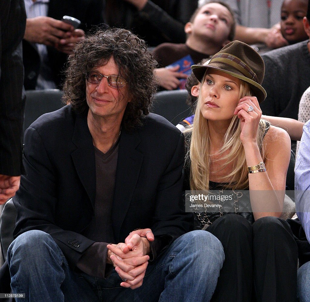 <a gi-track='captionPersonalityLinkClicked' href=/galleries/search?phrase=Howard+Stern+-+Media+Personality&family=editorial&specificpeople=211543 ng-click='$event.stopPropagation()'>Howard Stern</a> and <a gi-track='captionPersonalityLinkClicked' href=/galleries/search?phrase=Beth+Ostrosky&family=editorial&specificpeople=212785 ng-click='$event.stopPropagation()'>Beth Ostrosky</a> attend San Antonio Spurs vs NY Knicks game at Madison Square Garden in New York City on February 8, 2008.