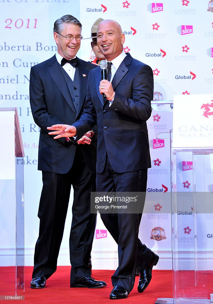 <a gi-track='captionPersonalityLinkClicked' href=/galleries/search?phrase=Howie+Mandel&family=editorial&specificpeople=595760 ng-click='$event.stopPropagation()'>Howie Mandel</a> hosts the 2011 Canada Walk of Fame at The Elgin Theatre on October 1, 2011 in Toronto, Canada.