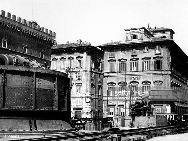 A howitzer taken away from the Austrian army exhibited in Piazza Venezia Rome 1918