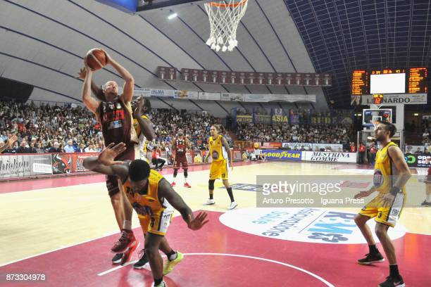 Hrvoje Peric of Umana competes with Lamar Patterson and Trevor Mbakwe and Aleksaneder Vujacic of Fiat during the LBA LegaBasket of Serie A match...