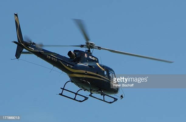 Hubschrauber während Dreharbeiten zum ARDFilm 'Wiedersehen in Malaysia' Awana Porta Malai Insel Langkawi Malaysia Asien Familiendrama Dreh Reise