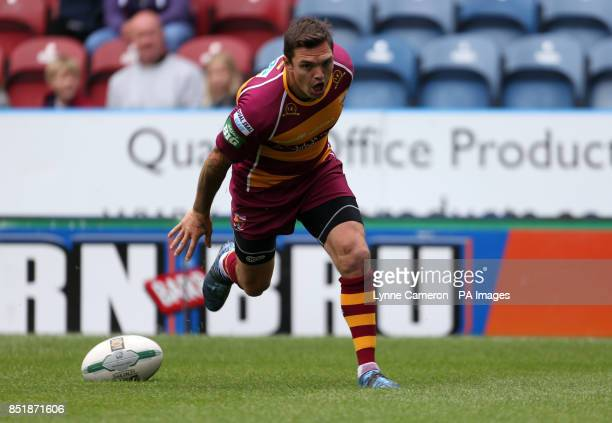 Huddersfield Giant's Danny Brough Scores a try during the Super League match at the John Smith's Stadium Huddersfield