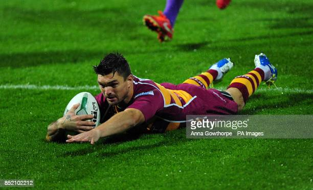 Huddersfield Giants Danny Brough scores a try during the Super League Elimination Play Off at the John Smith's Stadium Huddersfield