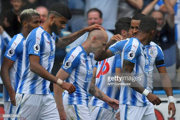 FBL-ENG-PR-HUDDERSFIELD-NEWCASTLE : News Photo