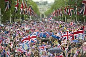 Huge crowds cheering with Britain's Union flags crowd the Mall towards Buckingham Palace to celebrate the Queen's Diamond Jubilee in London on June 5...
