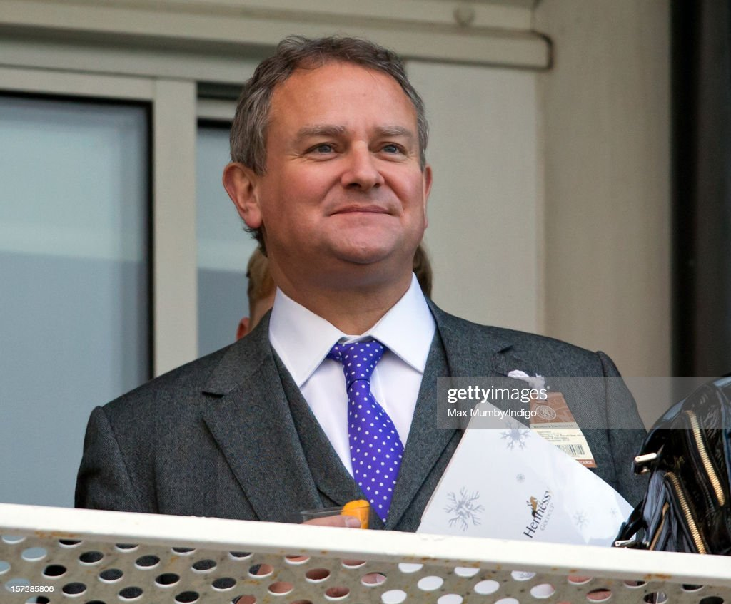 <a gi-track='captionPersonalityLinkClicked' href=/galleries/search?phrase=Hugh+Bonneville&family=editorial&specificpeople=228840 ng-click='$event.stopPropagation()'>Hugh Bonneville</a> watches the racing as he attends the Hennessy Gold Cup at Newbury Racecourse on December 01, 2012 in Newbury, England.