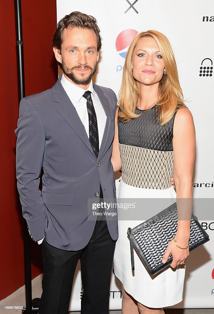 <a gi-track='captionPersonalityLinkClicked' href=/galleries/search?phrase=Hugh+Dancy&family=editorial&specificpeople=214056 ng-click='$event.stopPropagation()'>Hugh Dancy</a> and <a gi-track='captionPersonalityLinkClicked' href=/galleries/search?phrase=Claire+Danes&family=editorial&specificpeople=202666 ng-click='$event.stopPropagation()'>Claire Danes</a> attend the Narciso Rodriguez Bottletop Collection Pepsi U.S. Launch at Sikkema Jenkins And Co. Gallery on May 8, 2014 in New York City.
