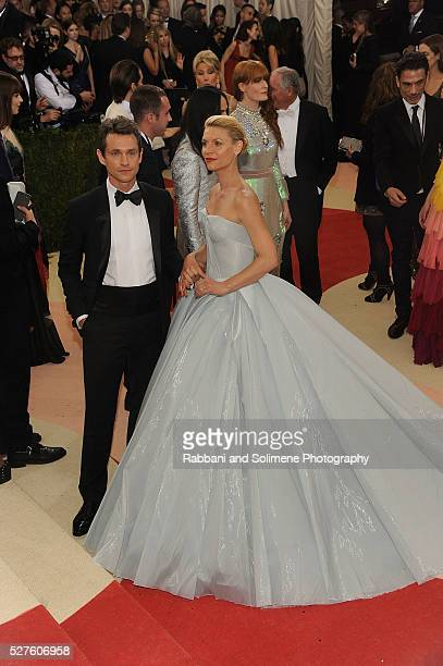 Hugh Dancy and Claire Danes attends 'Manus x Machina Fashion In An Age Of Technology' Costume Institute Gala at Metropolitan Museum of Art on May 2...