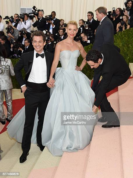 Hugh Dancy Claire Danes and Zac Posen attend the 'Manus x Machina Fashion In An Age Of Technology' Costume Institute Gala at Metropolitan Museum of...
