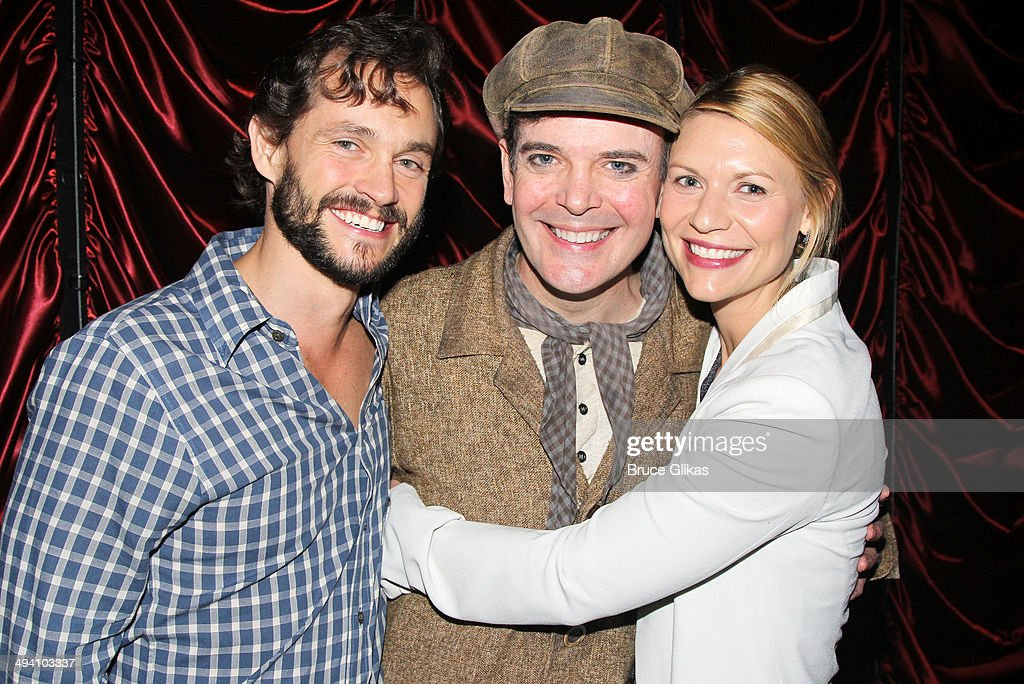 <a gi-track='captionPersonalityLinkClicked' href=/galleries/search?phrase=Hugh+Dancy&family=editorial&specificpeople=214056 ng-click='$event.stopPropagation()'>Hugh Dancy</a>, <a gi-track='captionPersonalityLinkClicked' href=/galleries/search?phrase=Jefferson+Mays&family=editorial&specificpeople=211336 ng-click='$event.stopPropagation()'>Jefferson Mays</a> and <a gi-track='captionPersonalityLinkClicked' href=/galleries/search?phrase=Claire+Danes&family=editorial&specificpeople=202666 ng-click='$event.stopPropagation()'>Claire Danes</a> pose backstage at 'A Gentleman's Guide To Love and Murder' on Broadway at The Walter Kerr Theater on May 27, 2014 in New York City.