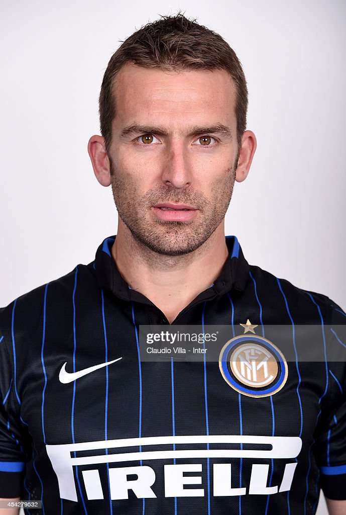 Hugo Campagnaro poses during an FC Internazionale photocall at Appiano Gentile on August 12, 2014 in Como, Italy.