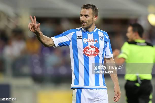 Hugo Campagnato of Pescara Calcio gestures during the Serie A match between ACF Fiorentina and Pescara Calcio at Stadio Artemio Franchi on May 28...