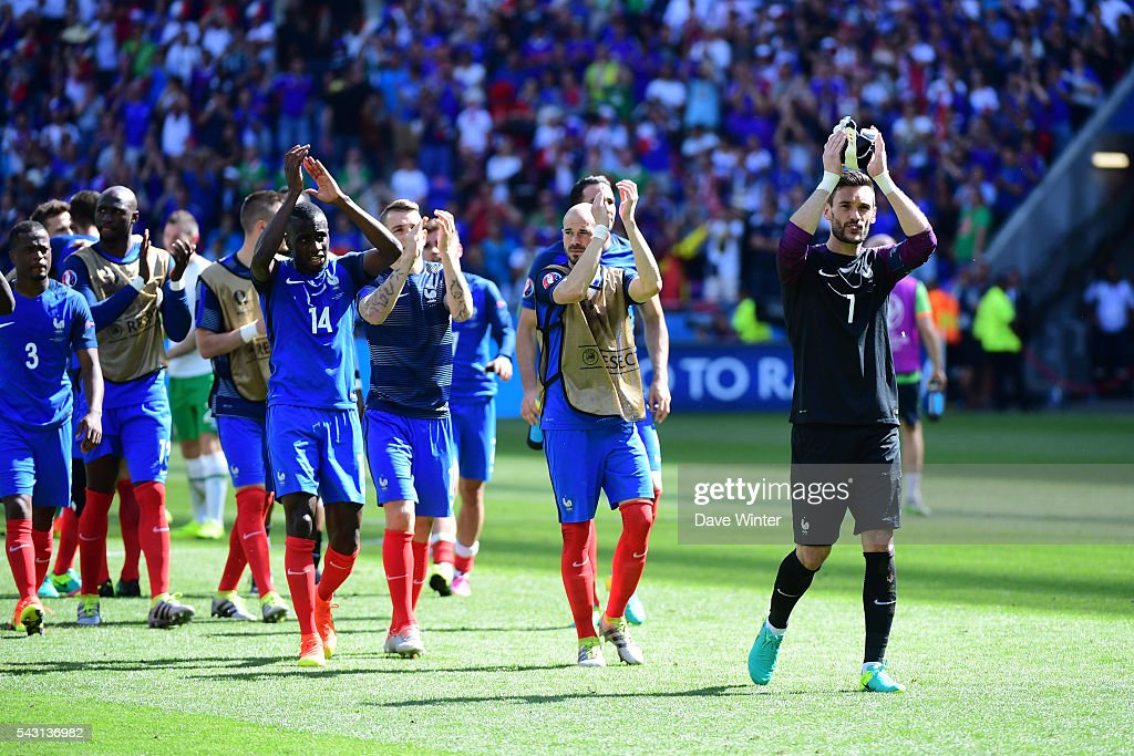 Hugo Lloris of France and the France team celebrate winning the European Championship match Round of 16 between France and Republic of Ireland at Stade des Lumieres on June 26, 2016 in Lyon, France.