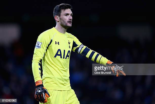 Hugo Lloris of Tottenham Hotspur in action during the Barclays Premier League match between Manchester City and Tottenham Hotspur at Etihad Stadium...