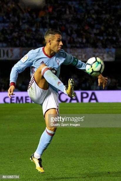 Hugo Mallo of Celta de Vigo controls the ball during the La Liga match between Celta de Vigo and Getafe CF at Balaidos Stadium on September 21 2017...