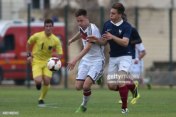 Hugo Mesbah of France competes with Johannes Eggestein of Germany during the International Friendly match between U16 France and U16 Germany at Stade...