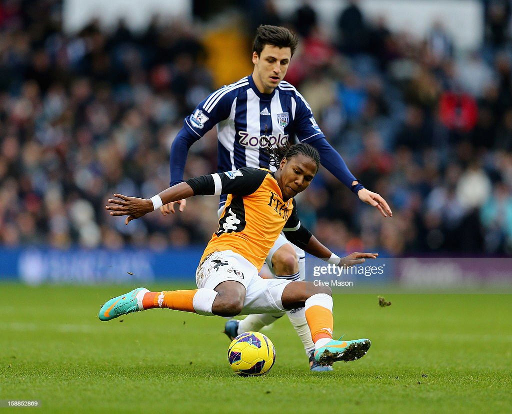 <a gi-track='captionPersonalityLinkClicked' href=/galleries/search?phrase=Hugo+Rodallega&family=editorial&specificpeople=597054 ng-click='$event.stopPropagation()'>Hugo Rodallega</a> of Fulham in action during the Barclays Premier League match between West Bromwich Albion and Fulham at The Hawthorns, on January 1, 2013 in West Bromwich, England.