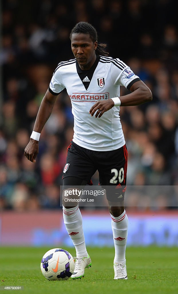 <a gi-track='captionPersonalityLinkClicked' href=/galleries/search?phrase=Hugo+Rodallega&family=editorial&specificpeople=597054 ng-click='$event.stopPropagation()'>Hugo Rodallega</a> of Fulham in action during the Barclays Premier League match between Fulham and Crystal Palace at Craven Cottage on May 11, 2014 in London, England.