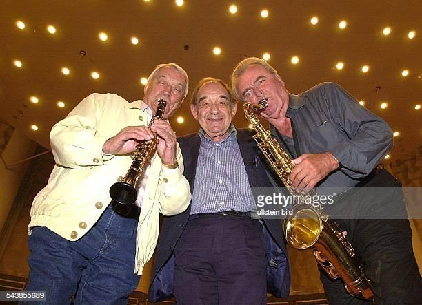 Hugo Strasser Musiker BRD Paul Kuhn Musiker BRD und Max Greger Musiker BRD treten im Kuppelsaal in Hannover auf Auftritt Trio Bandleader...