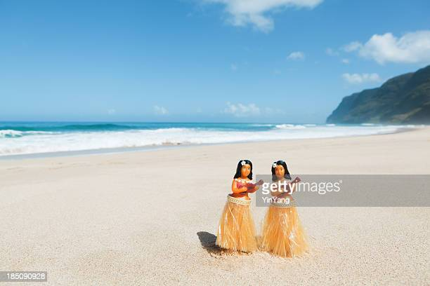 Hula Dancers Dolls on the Beach of Kauai Hawaii Hz