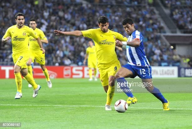 Hulk / Mateo Musacchio Porto / Villarreal 1/2 Finale Aller de la Ligue Europa 2011
