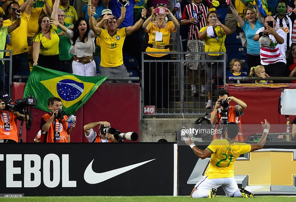 <a gi-track='captionPersonalityLinkClicked' href=/galleries/search?phrase=Hulk+-+Soccer+Player&family=editorial&specificpeople=7359350 ng-click='$event.stopPropagation()'>Hulk</a> #21 of Brazil reacts after scoring a goal during an international friendly against the United States at Gillette Stadium on September 8, 2015 in Foxboro, Massachusetts.