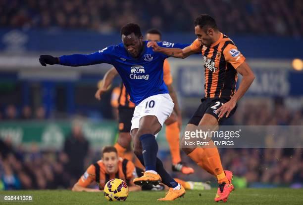 Hull City's Ahmed Elmohamady and Everton's Romelu Lukaku battle for the ball