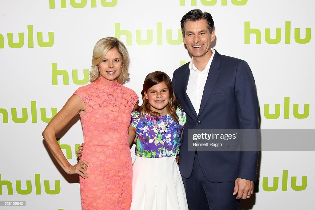 Hulu CEO Mike Hopkins (R) and his wife Sheri and daughter Chloe attend the 2016 Hulu Upftont on May 04, 2016 in New York, New York.