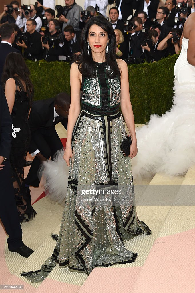 Huma Abedin attends the 'Manus x Machina: Fashion In An Age Of Technology' Costume Institute Gala at Metropolitan Museum of Art on May 2, 2016 in New York City.