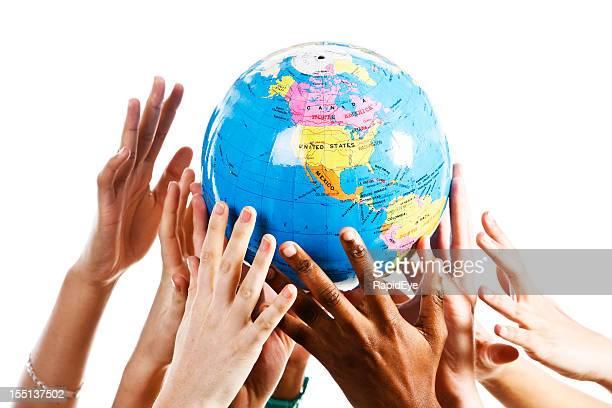 Uomo di avidità su scala globale; le mani per afferrare il mondo