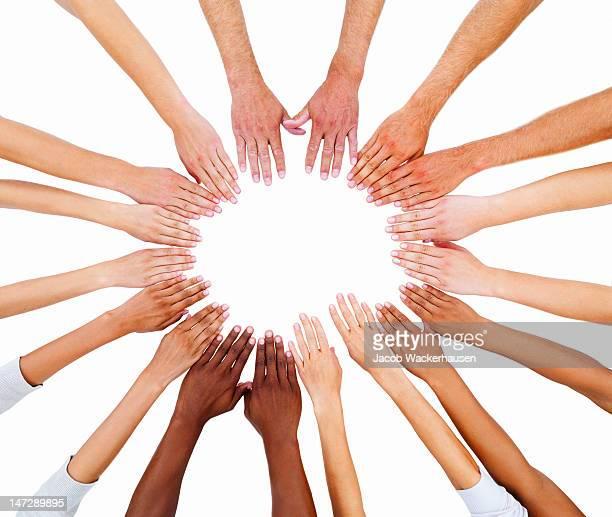 Mains montrant l'unité