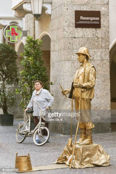 Human statue performing in Innsbruck Old Twon
