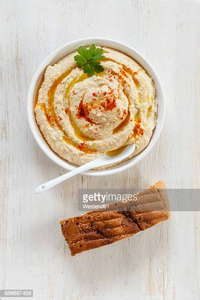 Hummus and bread
