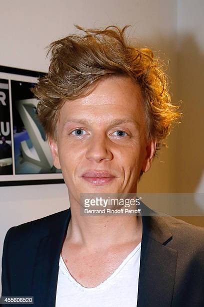Humorist Alex Lutz presents his show at Bobino and his new haircut during the 'Vivement Dimanche' French TV Show at Pavillon Gabriel on September 17...