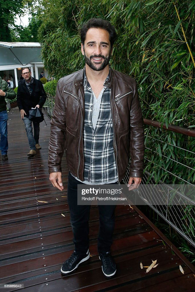 Humorist Florent Peyre attends Day Nine of the 2016 French Tennis Open at Roland Garros on May 30, 2016 in Paris, France.