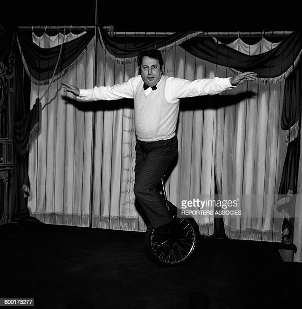 Humorist Raymond Devos On Stage In Paris France Circa 1960