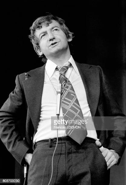 L'humoriste Pierre Desproges sur scène le 7 septembre 1976 à Paris France