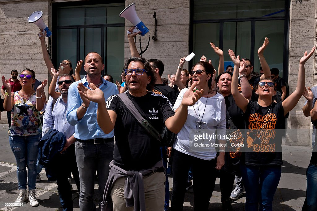 Hundreds of Almaviva's workers go on strike against the 1670 local layoffs declared by CEO Marco Tripi on May 27, 2016 in Rome, Italy. 3,000 employees across Italy have been notified that their call centre jobs will be lost.