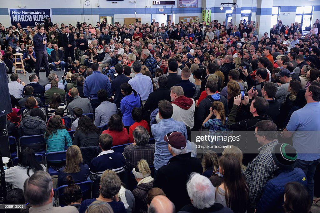 Hundreds of people pack into the Londonderry High School cafeteria to hear Republican presidential candidate Sen. <a gi-track='captionPersonalityLinkClicked' href=/galleries/search?phrase=Marco+Rubio+-+Politician&family=editorial&specificpeople=11395287 ng-click='$event.stopPropagation()'>Marco Rubio</a> (R-FL) (C) at a town hall meeting February 7, 2016 in Londonderry, New Hampshire. People came to the event to see Rubio just two days before voters go to the polls in the 'First in the Nation' presidential primary.
