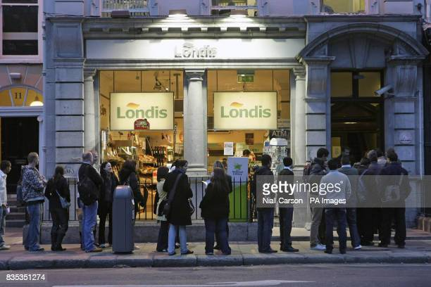 Hundreds of people queue for jobs at a Londis supermarket on St Stephens Green in Dublin