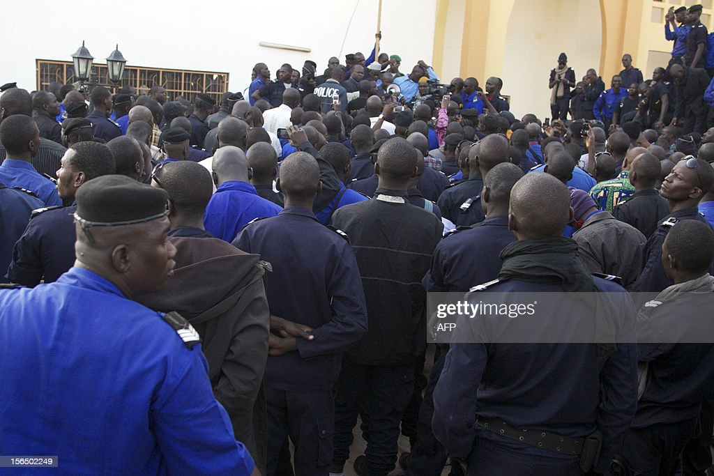 Hundreds of policemen of the National Police Union stage a demonstration in Bamako on November 16, 2012 against the kidnapping on November 15 of three police officers following an array of controversial promotions.
